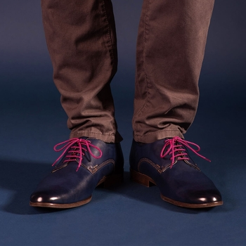 pink shoelaces